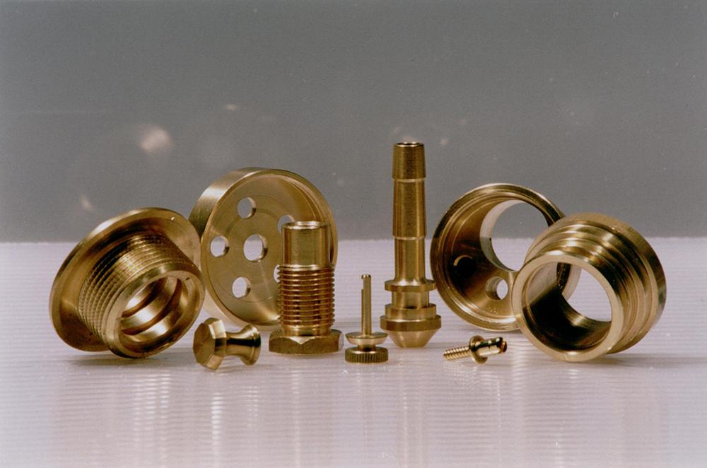 Mecanizado de piezas de latón, acero, aluminio, plástico y termo-plásticos