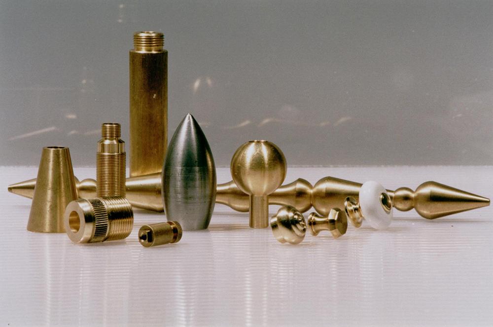 Decoletaje en Valencia de piezas de latón, acero, aluminio y plástico